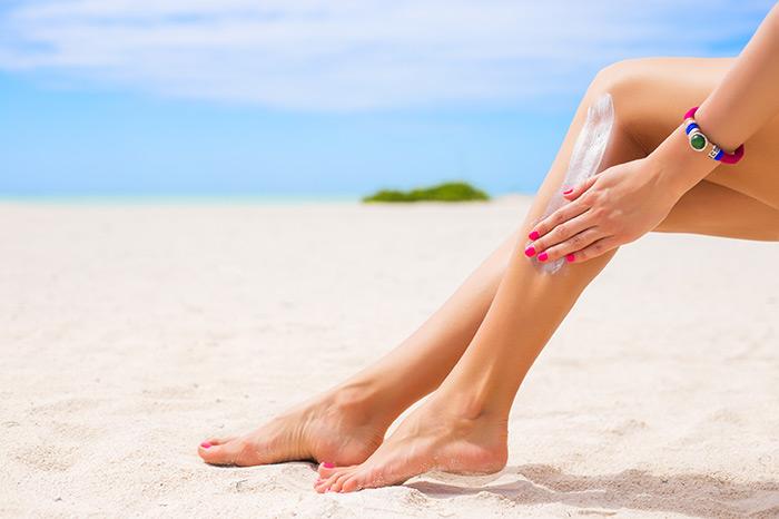 cách làm mờ sẹo thâm ở chân