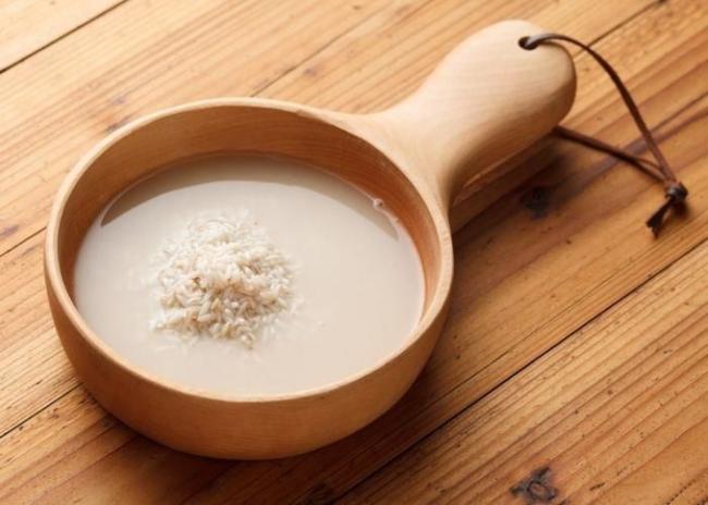 Cách làm trắng da toàn thân tại nhà với nước vo gạo