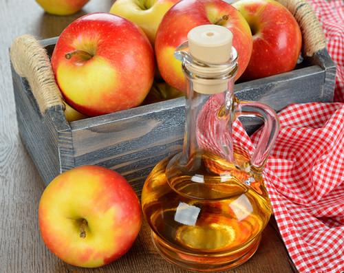 cách làm trắng da vùng cổ và gáy từ giấm táo