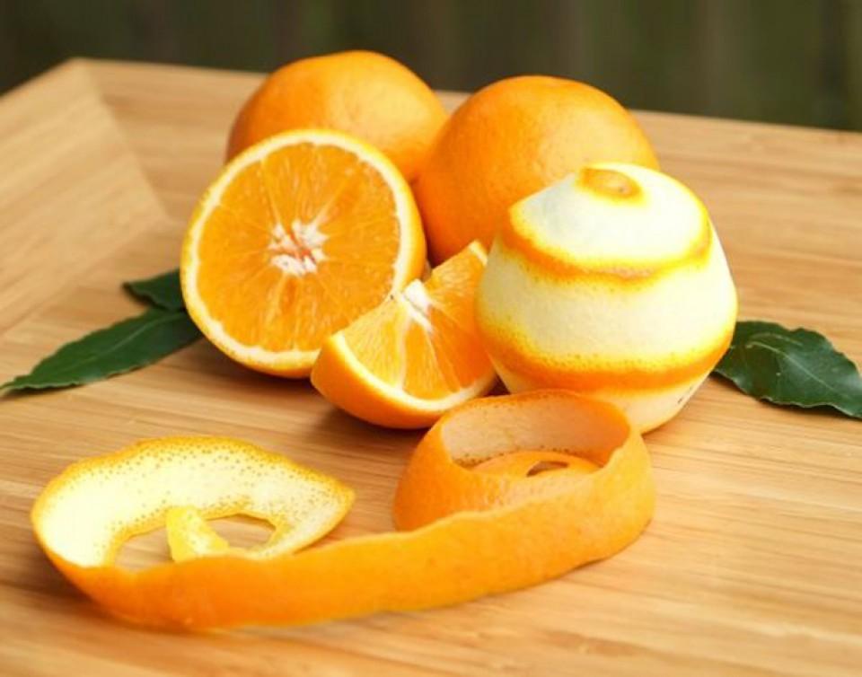 Làm trắng da bằng cam tươi