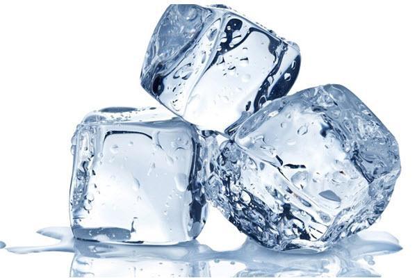 Cách trị mụn nhanh nhất trong 1 ngày bằng đá lạnh