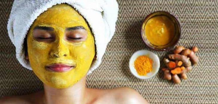Cách trị mụn viêm đỏ không nhân bằng bột nghệ và mật ong