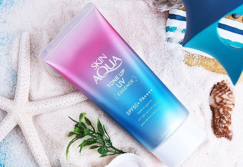 Skin Aqua Tone Up UV Essence