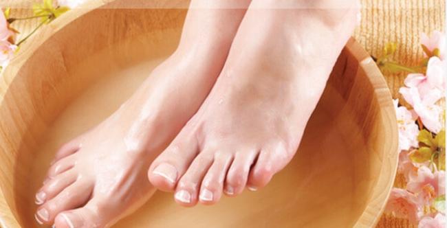 mặt nạ ủ chân