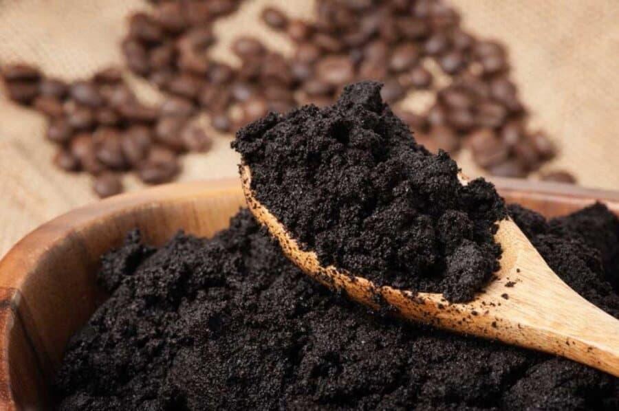 bã cà phê trị rạn