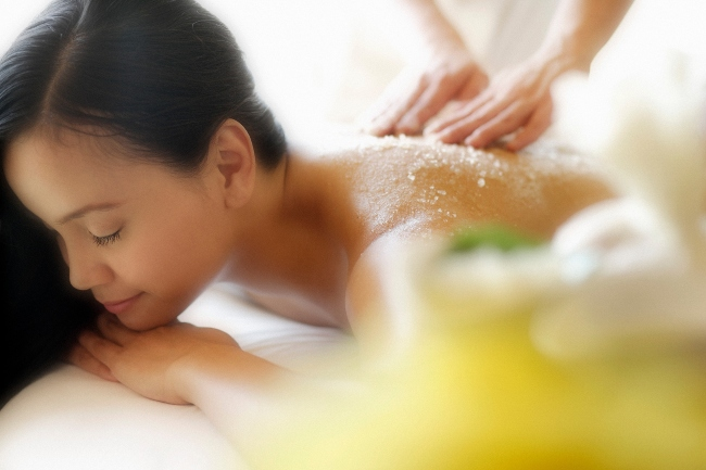 muối tắm hỗ trợ trị mụn lưng