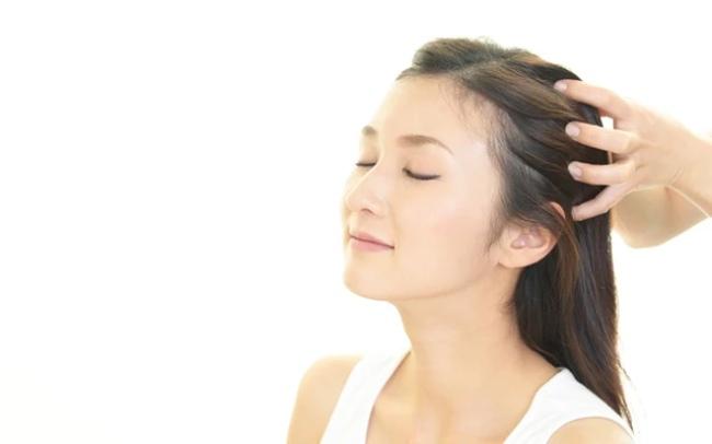 Massage cho tóc khô xơ