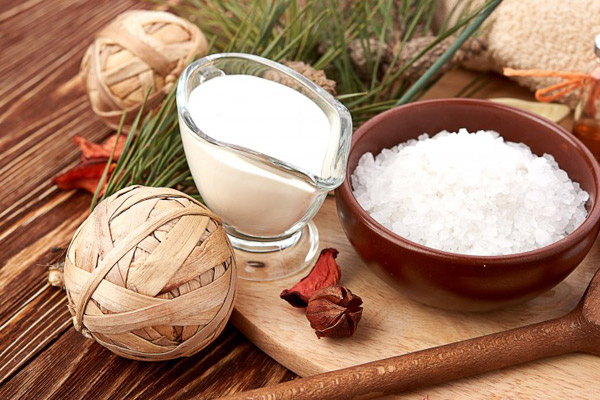 dầu dừa và muối