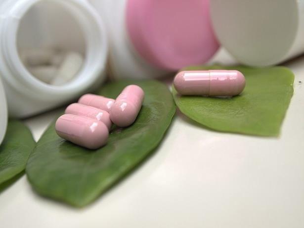 Uống thuốc trắng da có ảnh hưởng gì không?