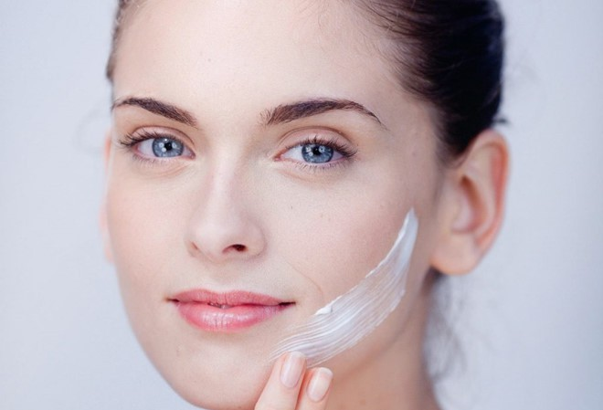 uống thuốc trắng da có ảnh hưởng gì không khi kết hợp sản phẩm khác